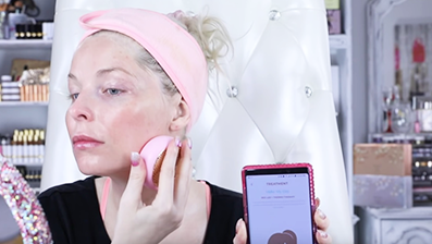 FOREO UFO Smart Mask Treatment | The Only 90 Sec Face Mask
