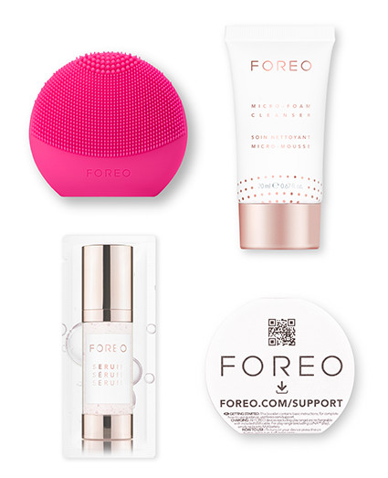 Gift Set FOREO: Picture Perfect LUNA fofo + Micro-Foam Cleanser